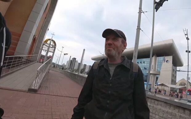Der Obdachloser. Quelle:Screenshot YouTube