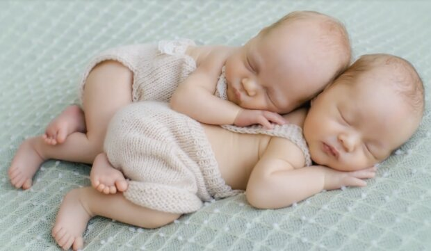 Zwillinge. Quelle: Screenshot YouTube