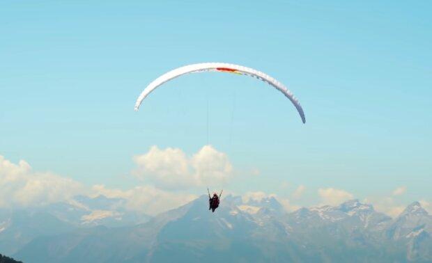 Paragliding. Quelle: YouTube Screenshot