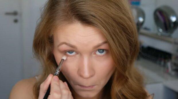 Make-up für kleine Augen: Experten berichteten über die wichtigsten Regeln