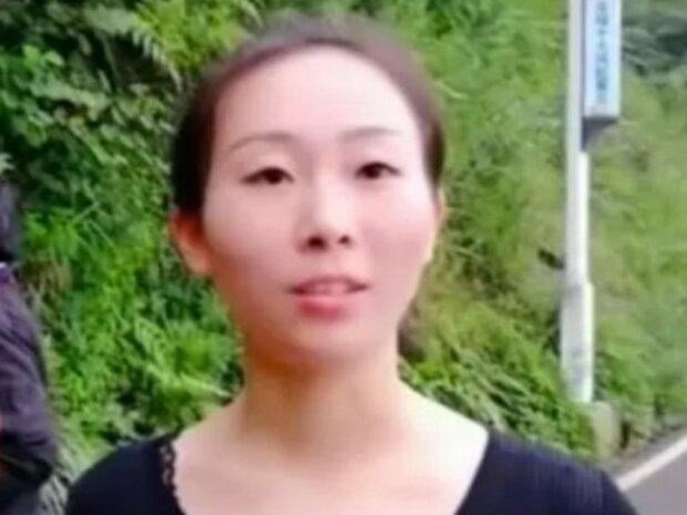 Jeden Tag springt die junge Frau von einer 300 Meter hohen Klippe, um ihre Kollegen zu ernähren