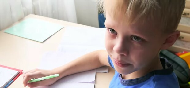 Armes Kind. Quelle: Youtube Screenshot