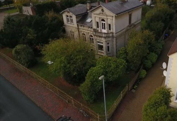 Das Ehepaar hatte ein altes Haus geerbt, aber kein Geld, um es zu renovieren: Dank kluger Ratschläge gaben sie nur 15 Tausend aus