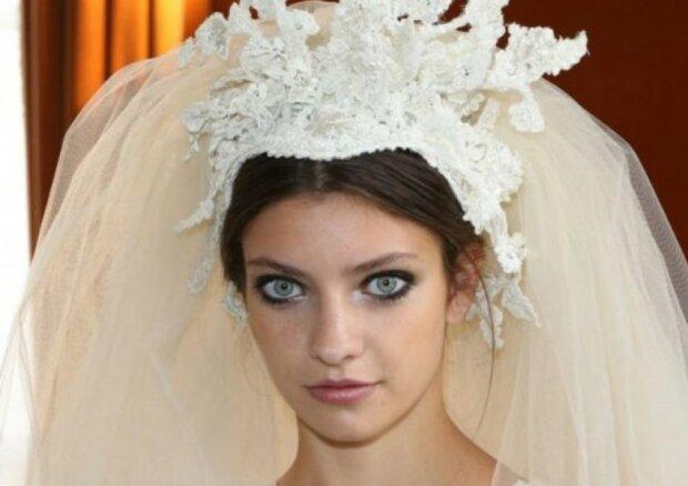 Wenn etwas nicht nach dem Plan läuft: verfehlte Hochzeitsfrisuren, die den ganzen Look verdarben