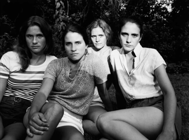 """""""Mit dem Alter immer schöner"""": Vier Schwestern wiederholten seit vierzig Jahren jedes Jahr das gleiche Bild"""