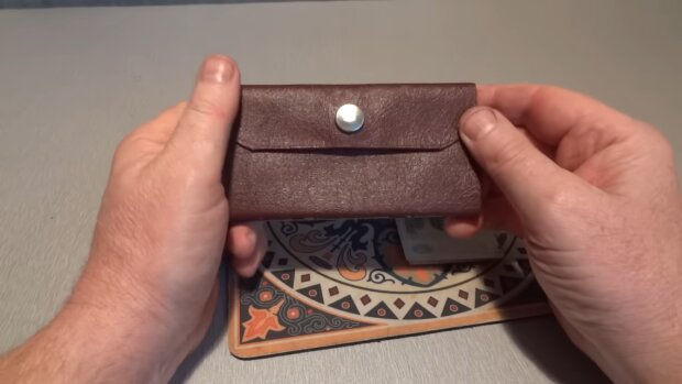 Verlorene Geldtasche. Quelle: YouTube Screenshot