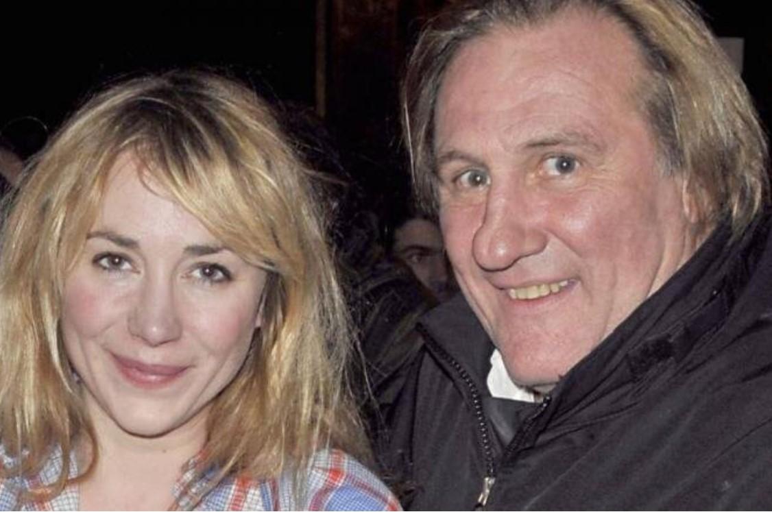 Julie Depardieu hat fünf Schönheitsoperationen gemacht, um ihrem berühmten  Vater nicht ähnlich zu sein. Uberalles